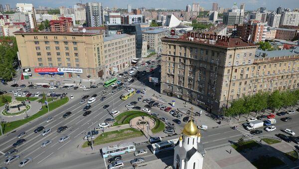 Перекресток Красного проспекта и Октябрьской магистрали в Новосибирске