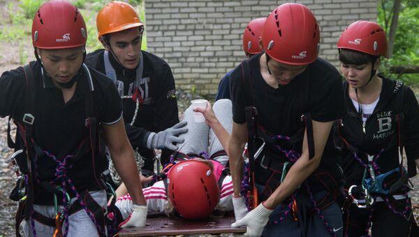 Соревнования юных спасателей. Архивное фото