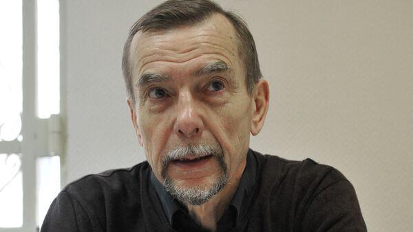 Лидер движения За права человека Лев Пономарев. Архив