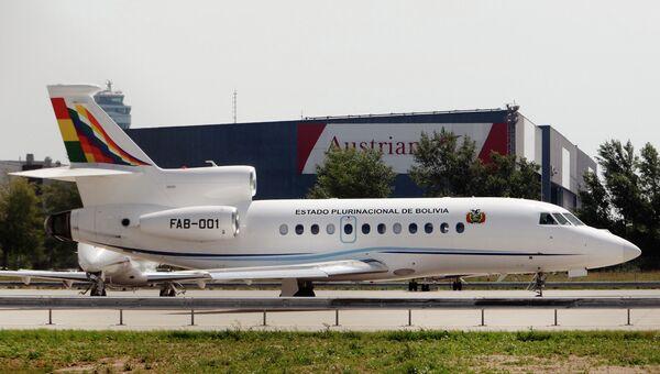 Самолет президента Боливии в аэропорту Вены