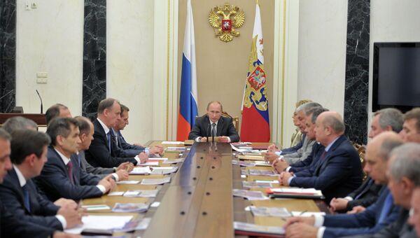 Президент РФ В.Путин провел заседание Совбеза РФ
