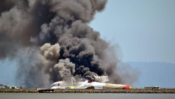 Сгоревший Boeing 777 в аэропорту Сан-Франциско