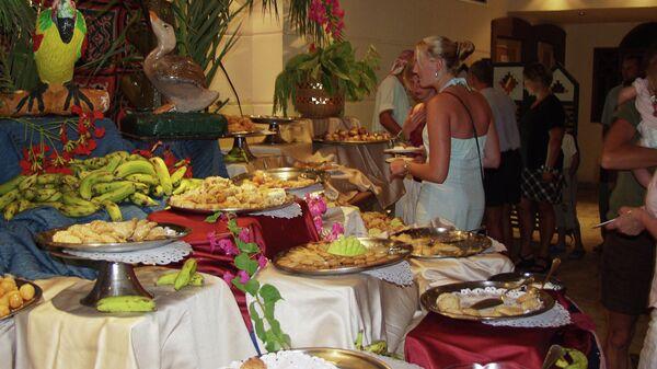 Шведский стол в одном из отелей Турции