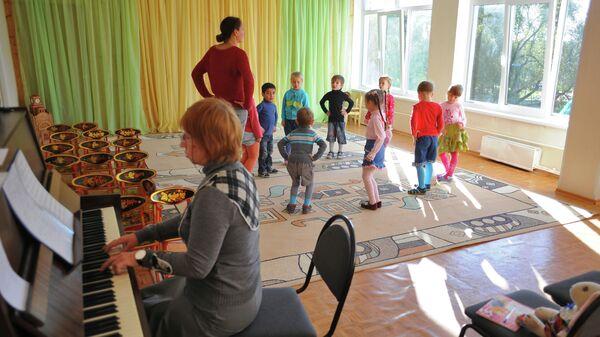 Работа детского сада, архивное фото