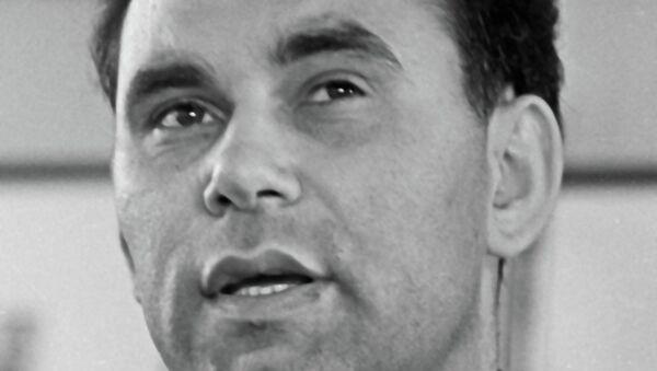 Журналист Василий Михайлович Песков. Архив