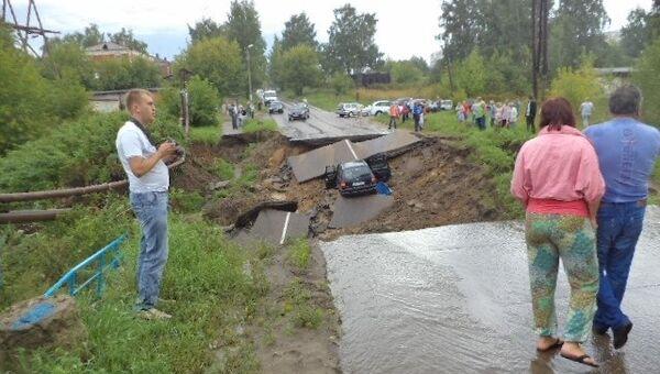 Размыв дороги в Кинешме, август 2013