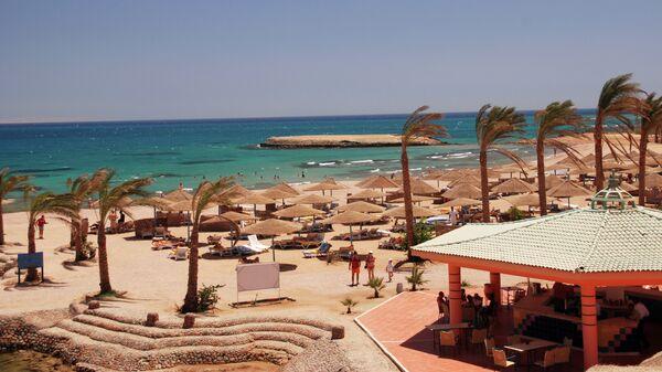 Пляж отеля Golden 5 City в Египте. Архивное фото