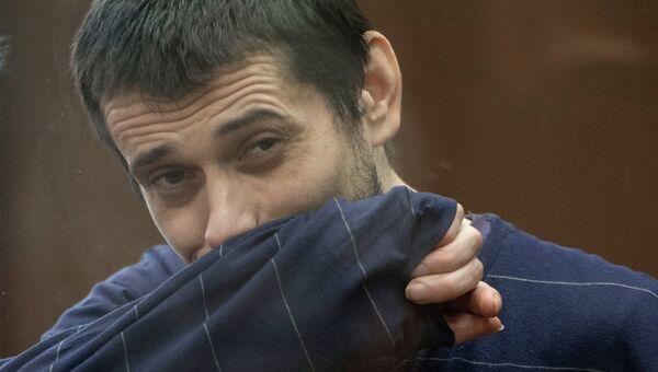 Обвиняемый в массовых убийствах Сергей Помазун в Белгородском областном суде во время оглашения приговора