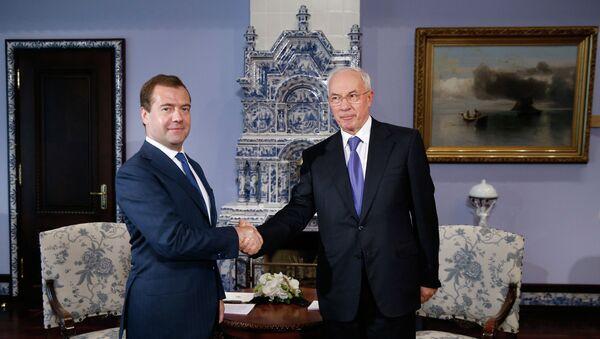 Встреча Д.Медведева и Н.Азарова. Архивное фото