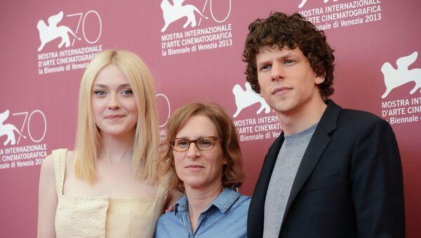 Дакота Фаннинг, Келли Райхардт и Джесси Айзенберг на 70-м Венецианском кинофестивале