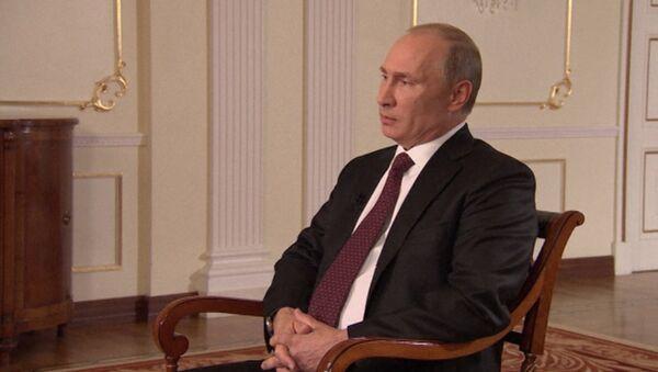 Путин об интервенции в Сирию, Навальном и запрете гей-пропаганды в РФ