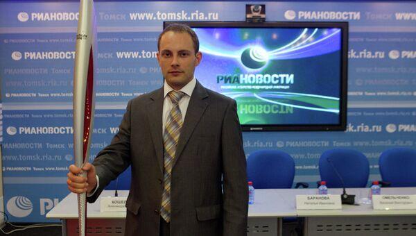 Представитель компании Соса-Соla Hellenic Александр Клепцов на пресс-конференции в Томском медиацентре РИА Новости