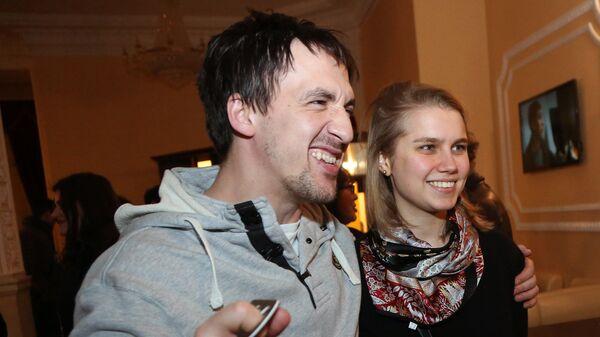 Актеры Артур Смольянинов и Дарья Мельникова на премьере фильма Долгая счастливая жизнь