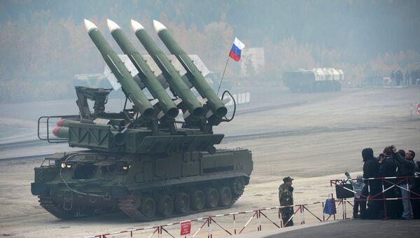 Зенитный ракетный комплекс Бук-М1 на выставке RAE-2013. Архивное фото