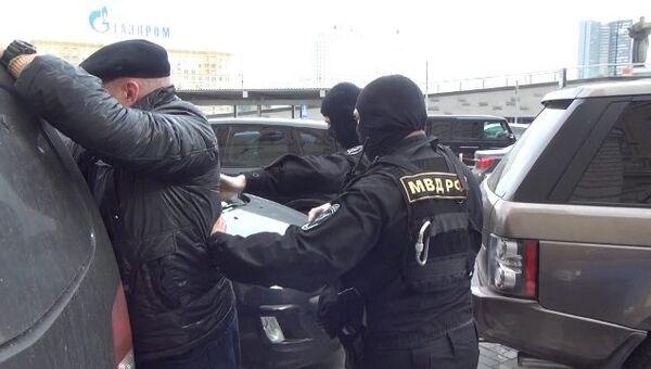 Полиция задержала предполагаемых торговцев должностями. Оперативные кадры