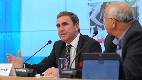 Первый вице-президент Messe Frankfurt GmbH Штефан Курцавски на пресс-конференции в РИА Новости