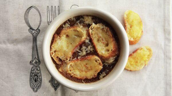 Французский луковый суп. Архивное фото