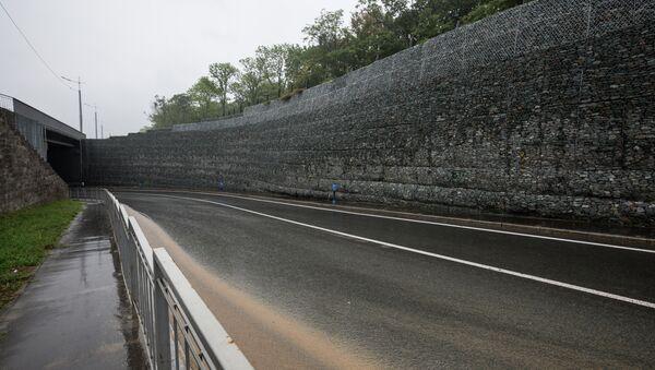 Ремонт подпорной стены федеральной трассы. Архивное фото