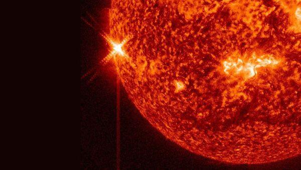 Вспышка на Солнце. Архивное фото