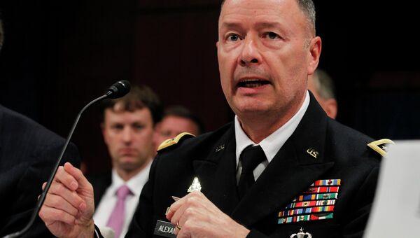 Экс-глава АНБ США Кит Александер. Архивное фото