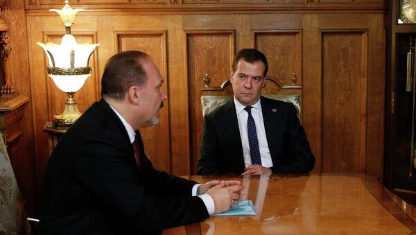 Д.Медведев встретился с М.Менем, архивное фото