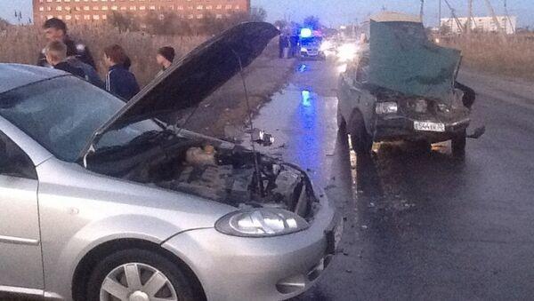 Шесть человек ранены в результате столкновения легковушек в Астрахани