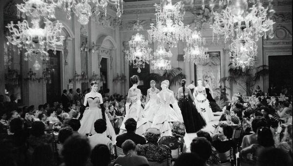 Показ мировой итальянской моды во Флоренции, 1955 год