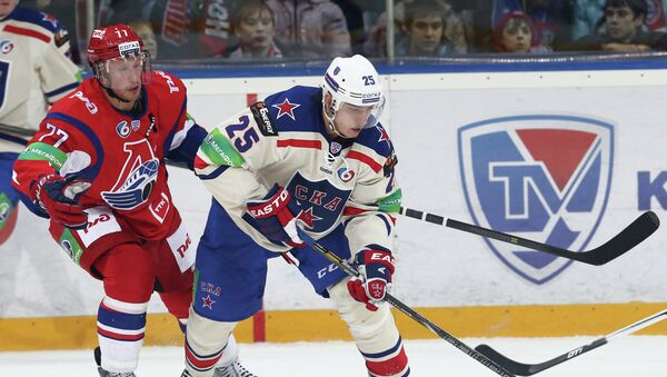 Игорь Макаров (справа), архивное фото