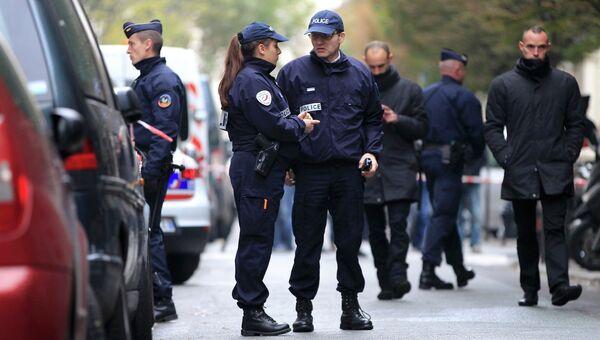 Полиция рядом с офисом газеты Liberation в Париже