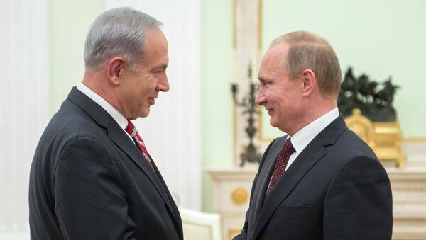 Президент России Владимир Путин и премьер-министр Израиля Биньямин Нетаньяху. Архивное фото