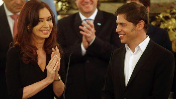 Президент Аргентины Кристина Киршнер в среду привела к присяге нового главу кабинета министров страны и министров экономики и сельского хозяйства. Фото с места событий