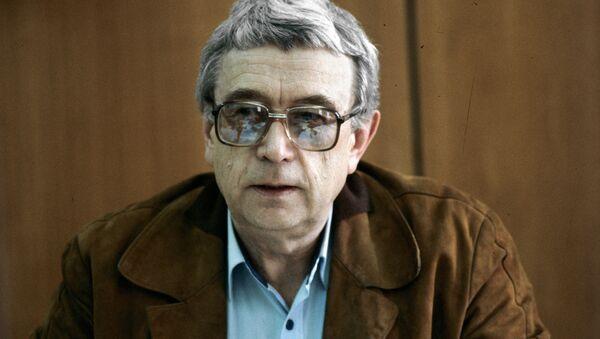 Главный редактор газеты Московские новости Егор Яковлев, архивное фото, Москва, 1987 год.