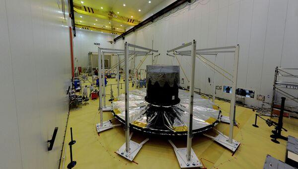 Европейский космический телескоп Гайя во время подготовки к запуску