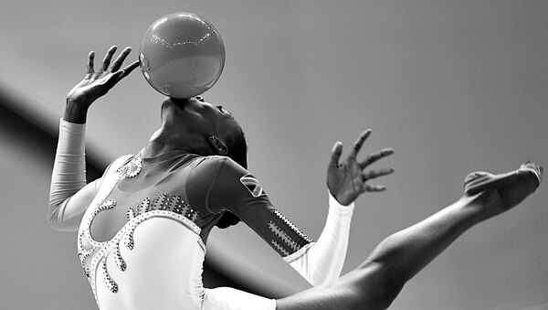 Фотография Владимира Песни из серии 3G:Graphics, Grace, Gymnastics