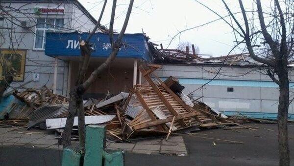 Разрушение в Красноярске после сильного ветра