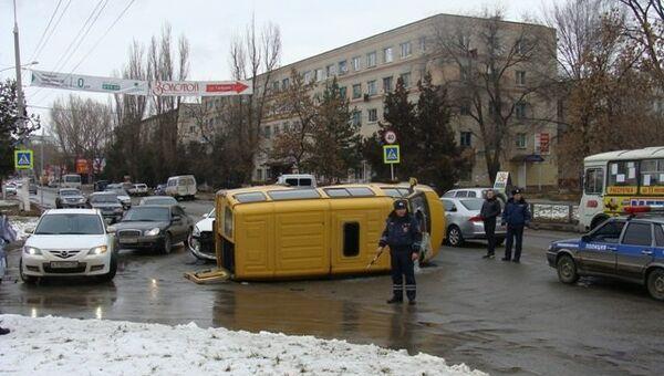 Маршрутка перевернулась в Ставропольском крае