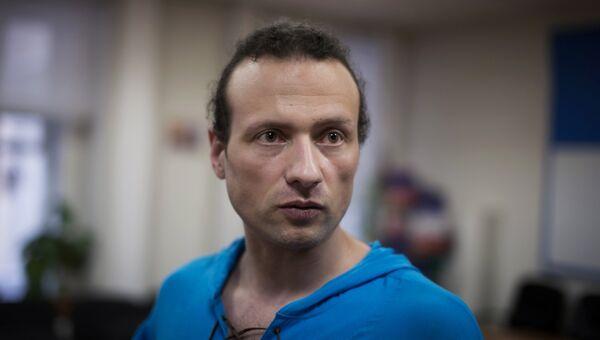 Бывший директор сельского ДК в Тверской области Илья Фарбер на пресс-конференции