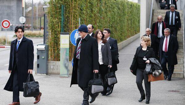 Делегация сирийской оппозиции на переговорах в Женеве. Фото с места события