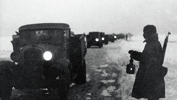 Дорога жизни в блокадный Ленинград. Архивное фото
