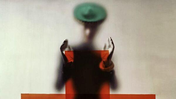 Эрвин Блюменфельд. Вариант обложки для американского Vogue, А ты сделал вклад для Красного Креста?, 15 марта 1945. Коллекция Генри Блюменфельда