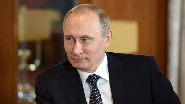 Президент России Владимир Путин во время двусторонней встречи с президентом МОК Томасом Бахом