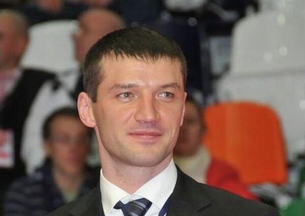 Депутат Тюменской областной Думы, чемпион мира по боксу Евгений Макаренко