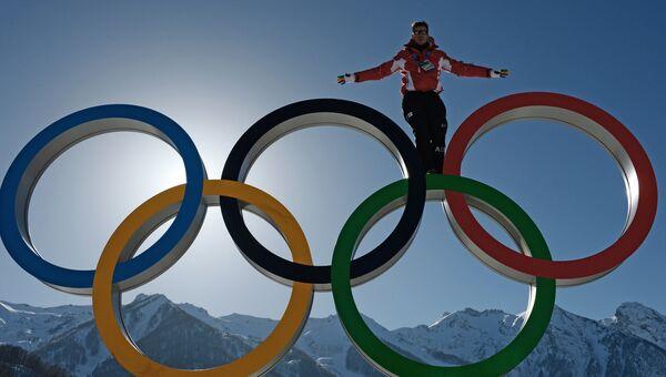 В Главной горной Олимпийской деревне, архивное фото