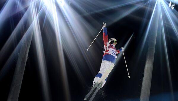 Екатерина Столярова (Россия) в финале могула на соревнованиях по фристайлу