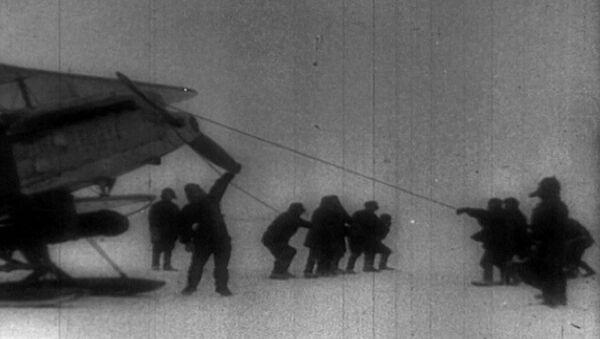 Архивные кадры к 80-летию операции по спасению челюскинцев