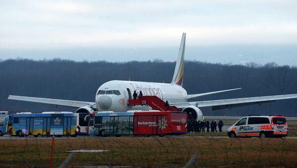 Лайнер Boeing 767-300 авиакомпании Ethiopian Airlines в аэропорту Женевы