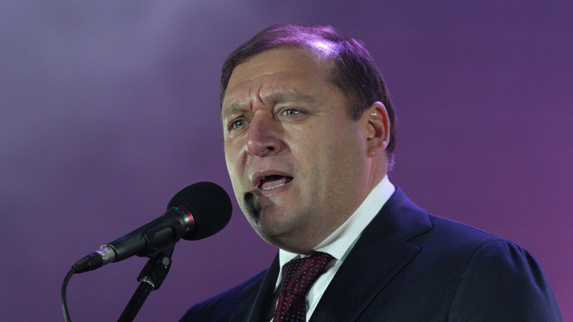 Польский политолог получил пощечину в прямом эфире после слов о Донбассе