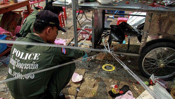 Полиция на месте взрыва гранаты в Бангкоке