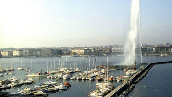 Вид на залив Женевского озера. Архивное фото