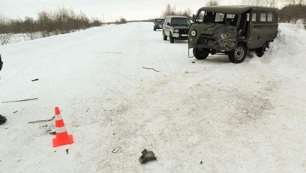 Три человека пострадали в аварии на трассе под Томском